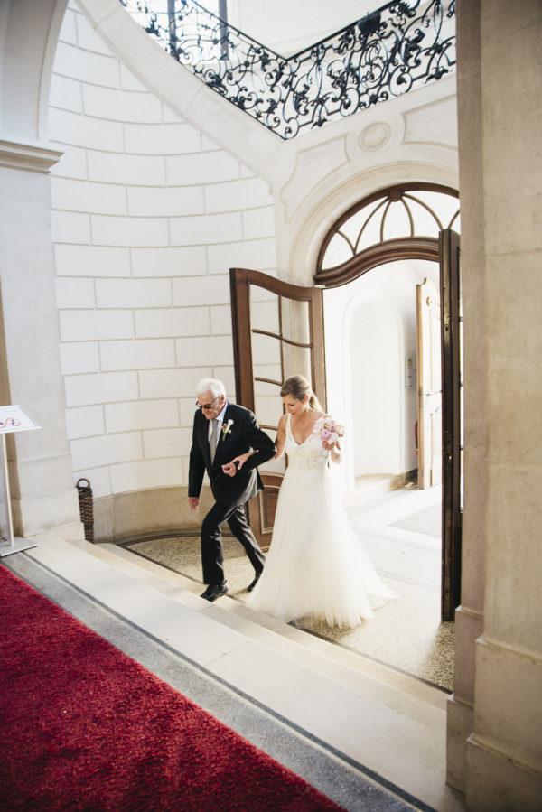 Heiraten im JuniVintagehochzeit, Heiraten, Hochzeitsreportage, Hochzeitstag, Paarshooting, Hochzeitskleid, Hochzeitsfotografie, standesamtliche Hochzeit